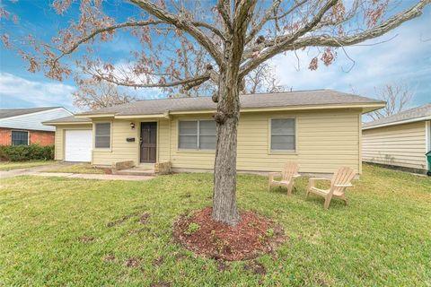 Photo of 3207 Bennington Dr, Pasadena, TX 77503