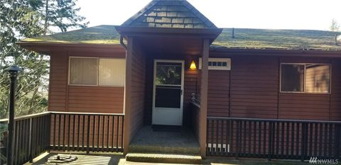 Photo of 1024 E Blackburn Rd Apt 4, Mount Vernon, WA 98274