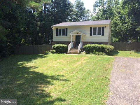 Photo of 469 Lake Dr, Lusby, MD 20657