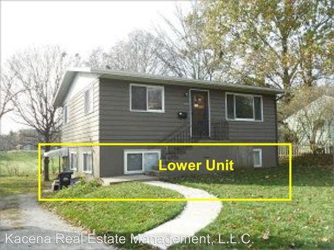Photo of 1131 1/2 Maple St, Iowa City, IA 52240