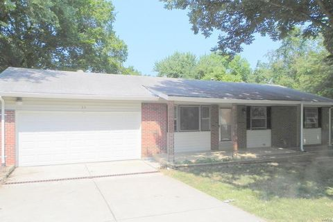 Photo of 35 Sunny Side Dr, Saint Peters, MO 63376