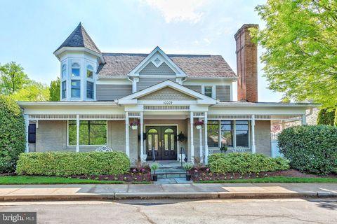 Photo of 10009 Gable Manor Ct, Potomac, MD 20854