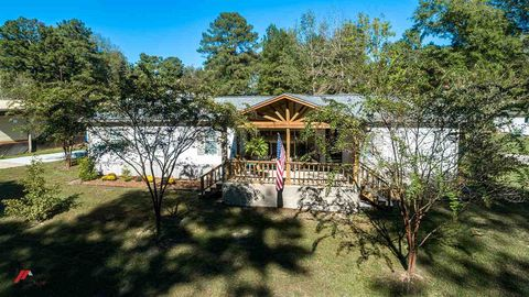 Photo of 1109 County Road 2657, Shelbyville, TX 75973