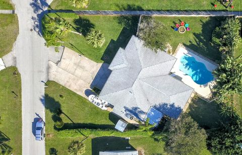 Photo of 105 W Osceola Ln, Cocoa Beach, FL 32931