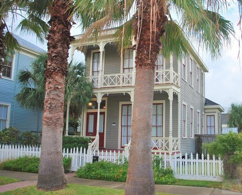 Photo of 1826 Avenue L, Galveston, TX 77550