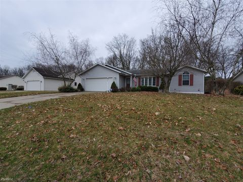Photo of 53683 Spring Mill Dr W, Elkhart, IN 46514