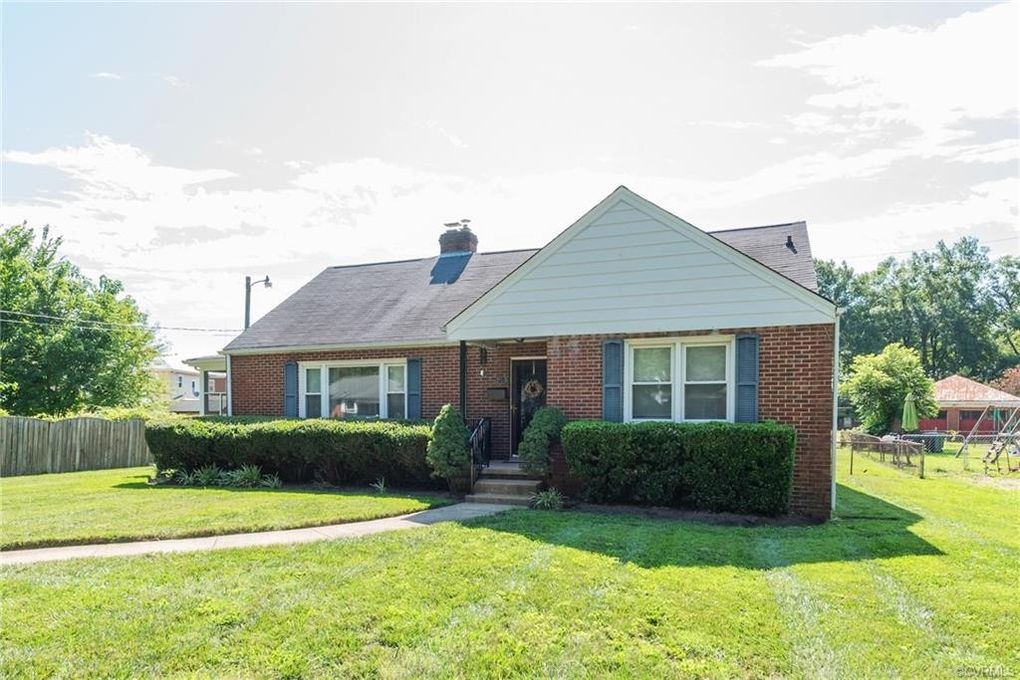 215 Jefferson Ave Colonial Heights, VA 23834