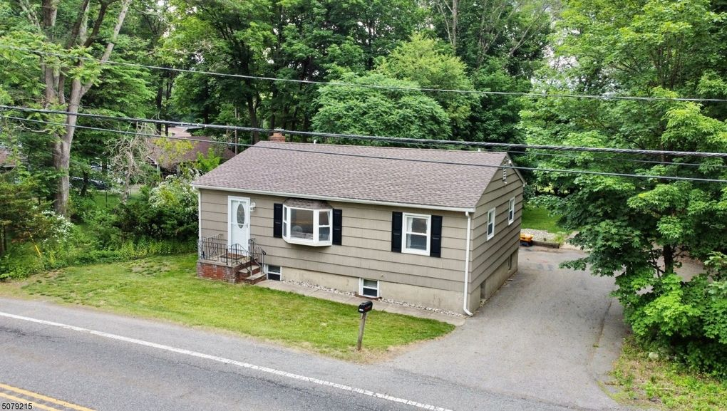1782 Union Valley Rd West Milford, NJ 07480