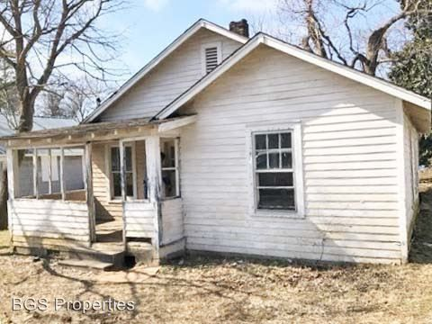 Photo of 307 Bell Ave, Dyersburg, TN 38024