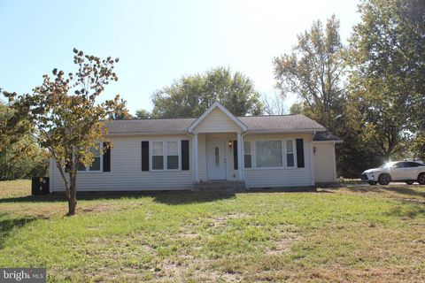 Photo of 190 Henry Cowgill Rd, Camden Wyoming, DE 19934