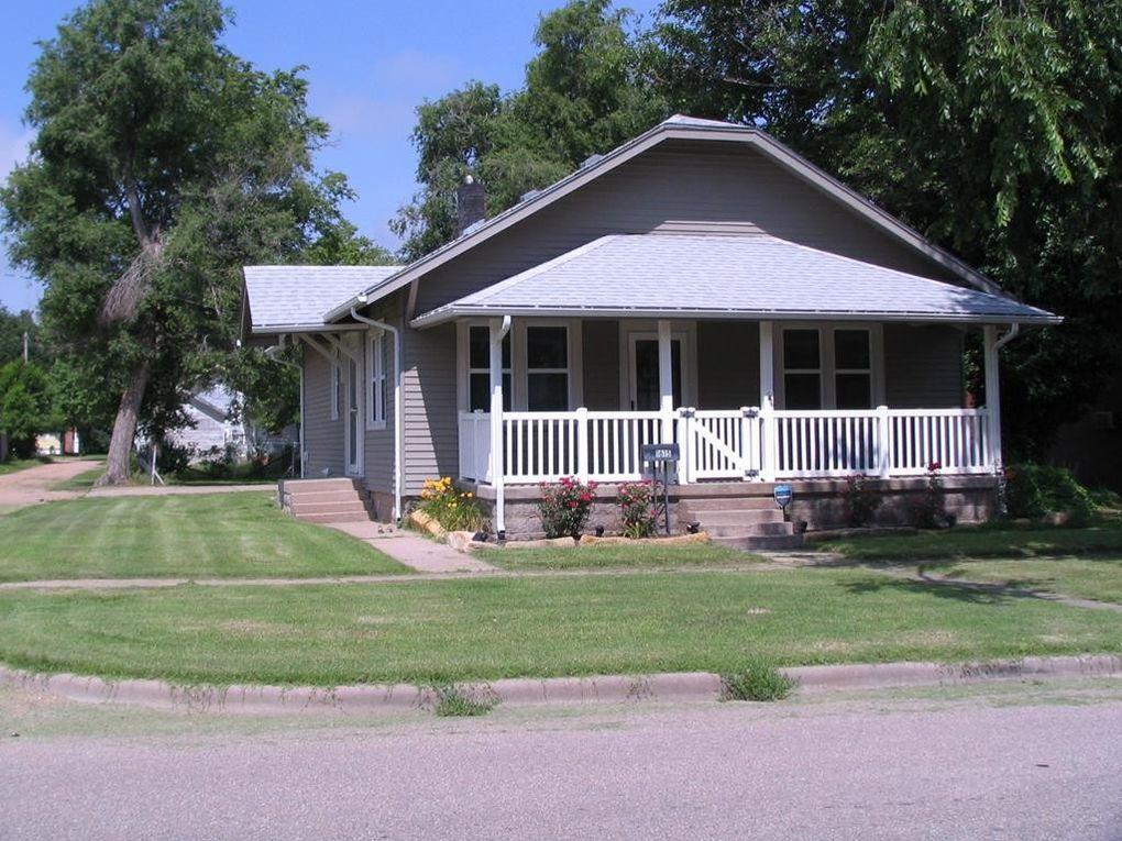 1615 Adams St Great Bend, KS 67530