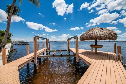 Photo of 2422 Se 28th St, Cape Coral, FL 33904