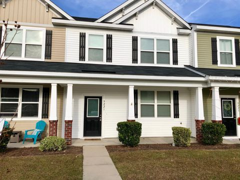Photo of 9221 Southern Oak Ln, Ladson, SC 29456