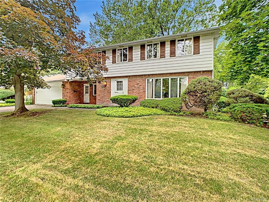 71 Chaumont Dr Amherst, NY 14221