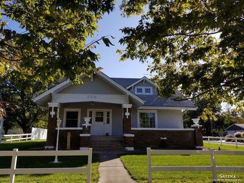 Photo of 200 N Walton St, Marquette, KS 67464