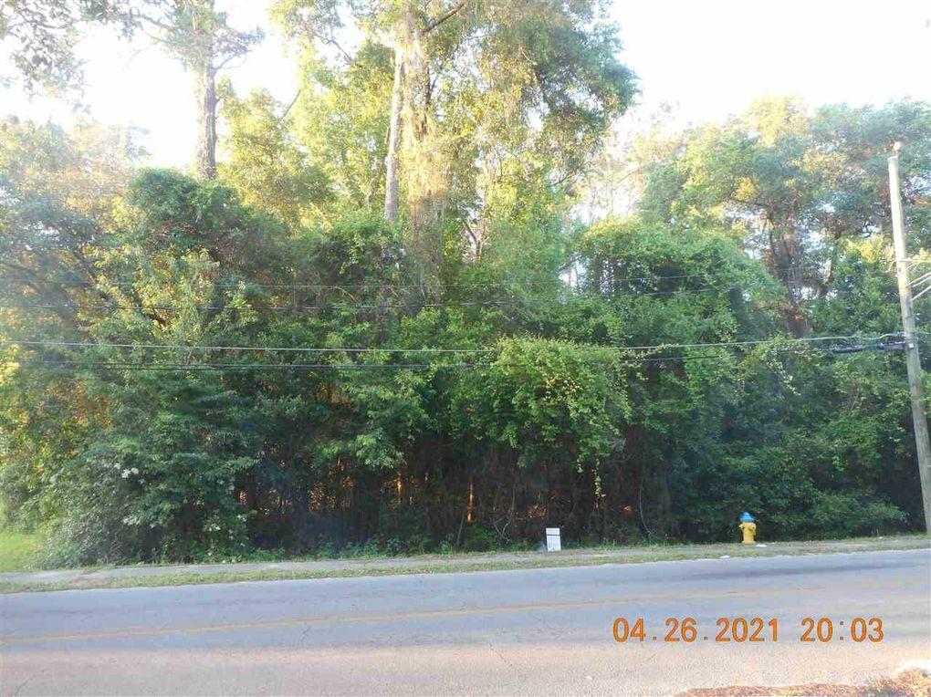 Bragg Dr Tallahassee, FL 32305