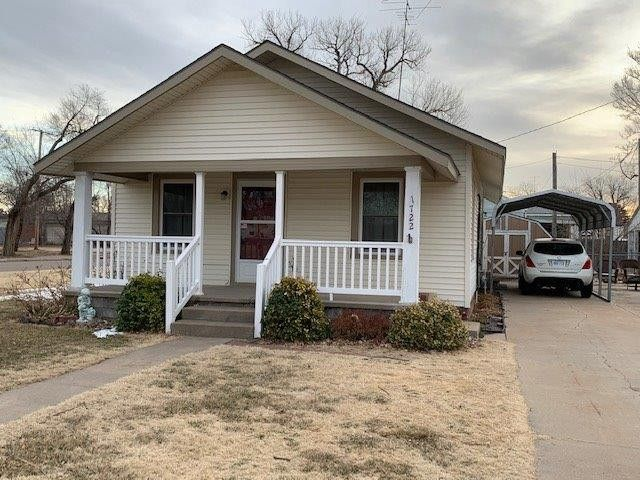 1722 Adams St Great Bend, KS 67530