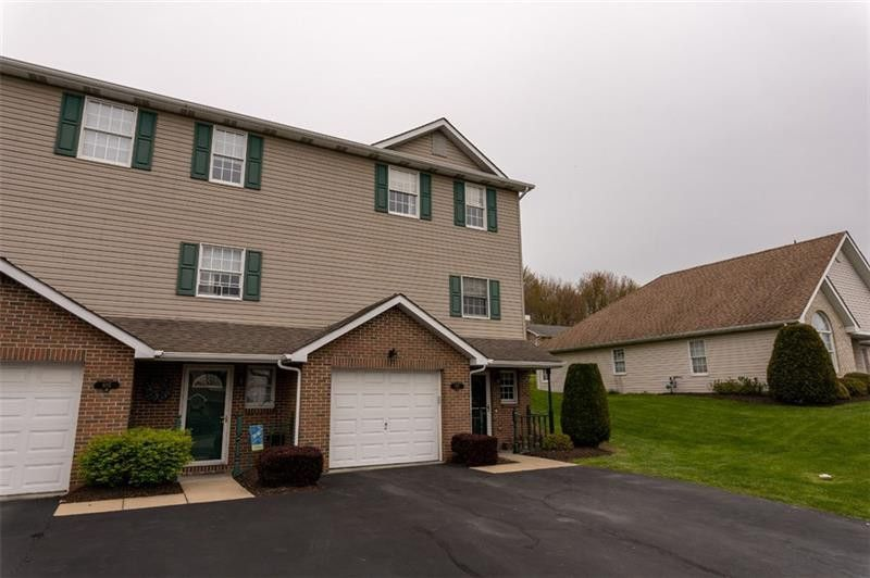 907 Stoneridge Blvd Township of But Northwest, PA 16001