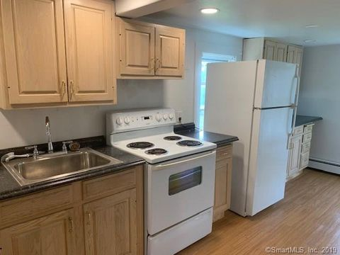 Photo of 270 Hackmatack St, Manchester, CT 06040