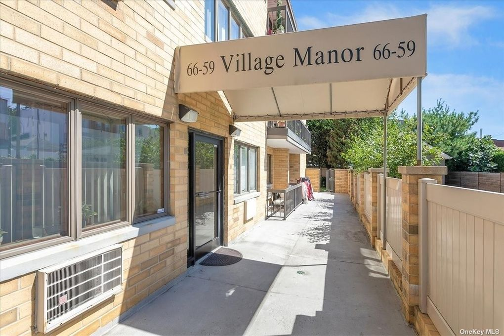 66-59 71st St Unit 3B Middle Village, NY 11379