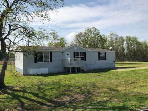 Photo of 136 County Road 119 D, Liberty, TX 77575
