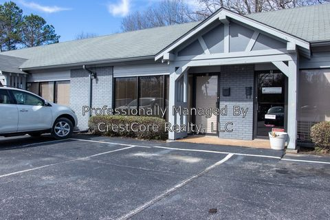 Photo of 231 N Parkway Unit 2, Jackson, TN 38305