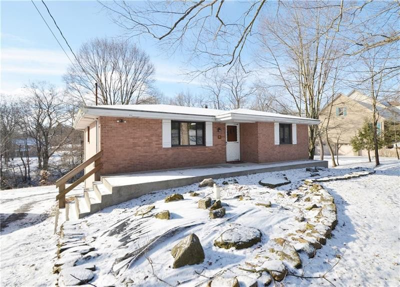 561 Callery Rd Cranberry Township, PA 16066