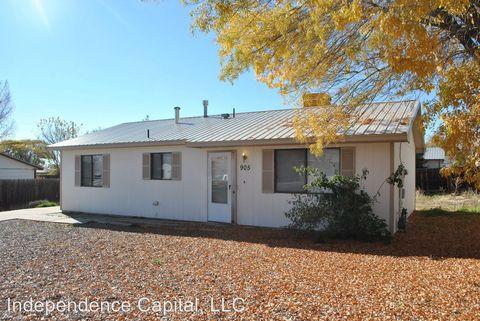 Photo of 905 N Columbine St, Bloomfield, NM 87413