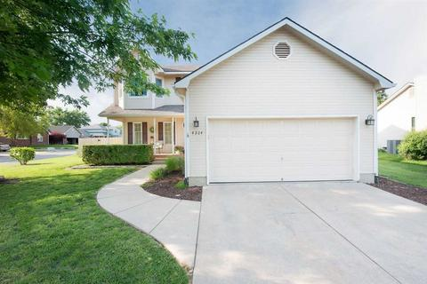 4284 N Eagle Lake Ct, Bel Aire, KS 67220
