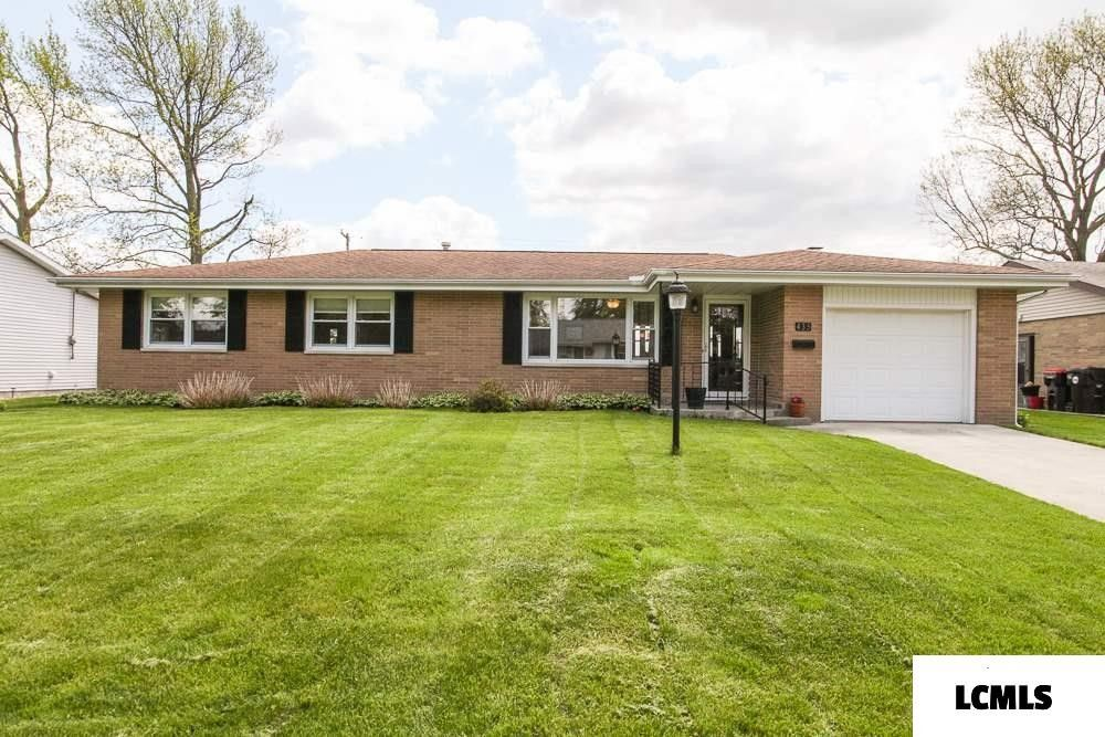 435 Mayfair Dr Lincoln, IL 62656