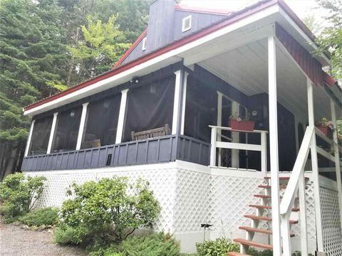 Photo of 108 Ashuelot Dr, Washington, NH 03280