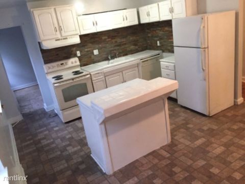 Photo of 800 N Broadway St Apt 2, Baltimore, MD 21205