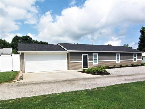 With Garage 2 Or More Homes For Sale In Belpre Oh Realtor Com