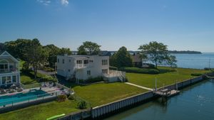 118 Old Country Rd Westhampton Ny 11977 Land For Sale And Real Estate Listing Realtor Com