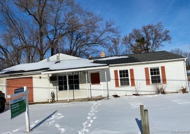 9257 Lee Rd Green Oak Township, MI 48116