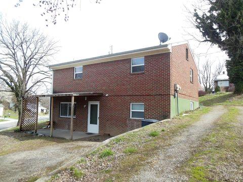 Photo of 1468 Greenbrier Ave Se Unit Lower, Roanoke, VA 24014
