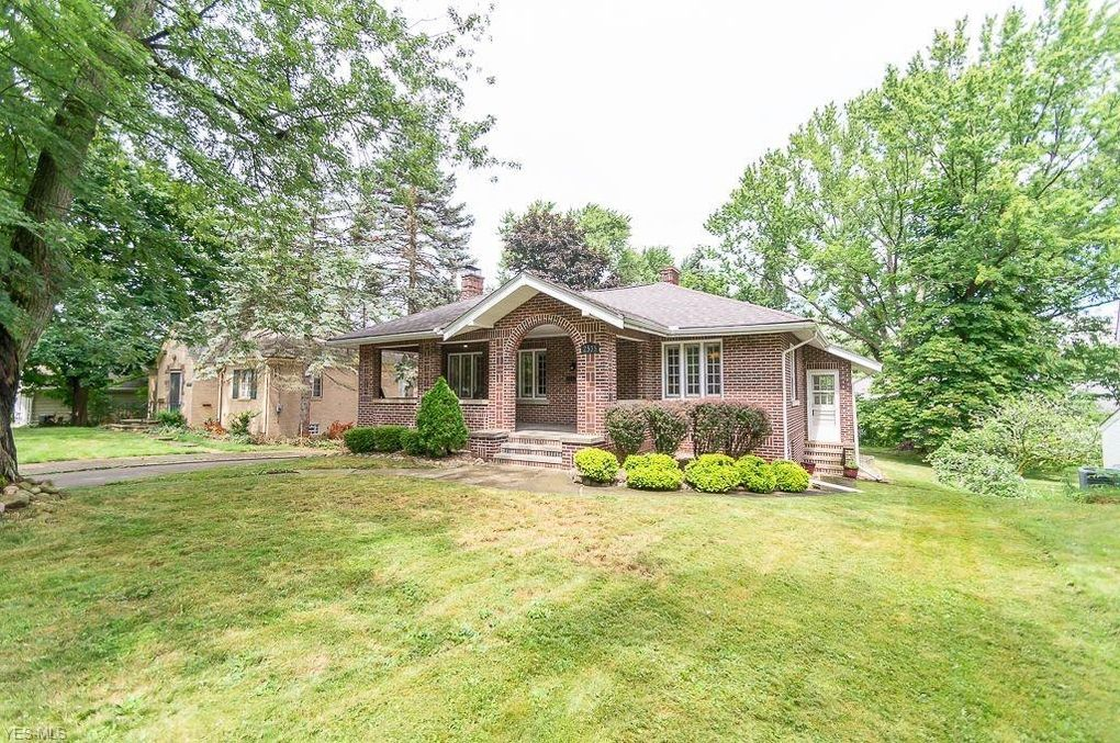 2535 Robindale Ave Akron, OH 44312