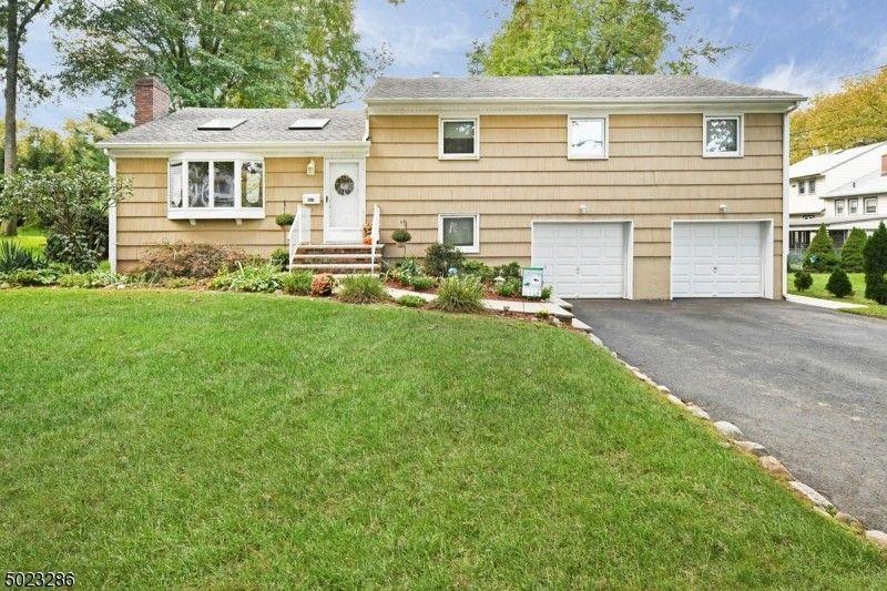 310 Spencer Pl Paramus, NJ 07652