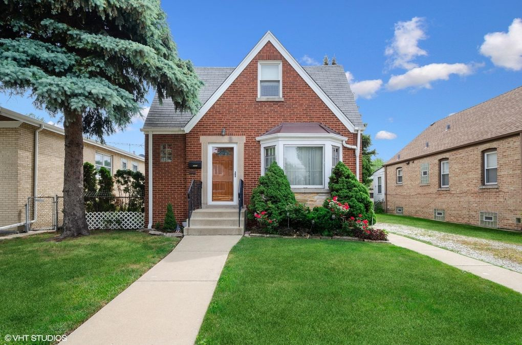 5443 N Nagle Ave Chicago, IL 60630