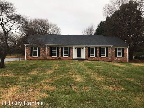 Photo of 561 Poplar Forest Dr, Forest, VA 24551