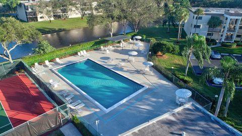 15251 Lakes Of Delray Blvd Apt 348, Delray Beach, FL 33484 on