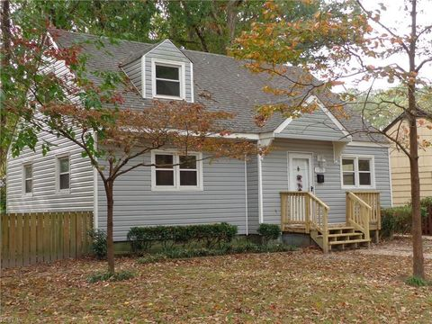 Photo of 1325 Boxwood Cir, Norfolk, VA 23518