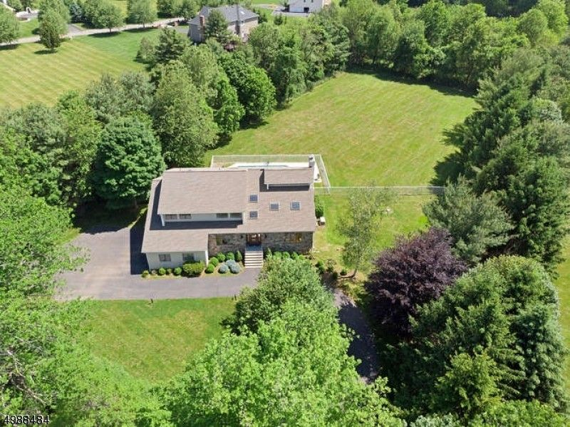 247 Old Chester Gladstone Chester Twp, NJ 07930