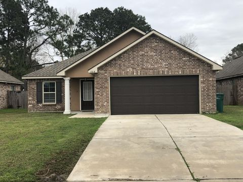 Photo of 203 Sun Ridge St, Youngsville, LA 70592