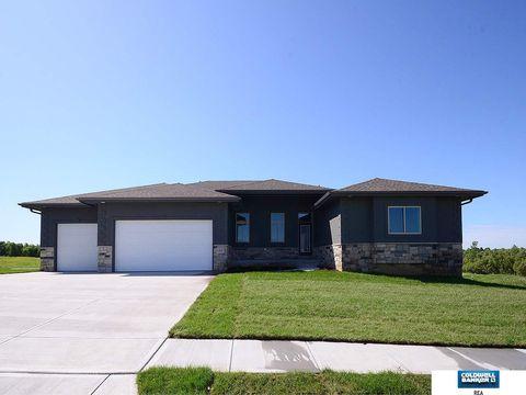 Photo of 13025 Reynolds St, Omaha, NE 68142