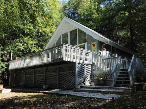 Photo of 199 Lake Shore Dr, Monticello, NY 12701