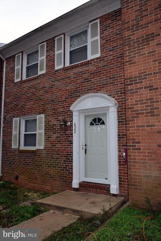 Photo of 822 Calvert Towne Dr, Prince Frederick, MD 20678