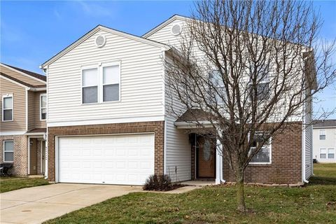 Photo of 732 Wheatgrass Dr, Greenwood, IN 46143
