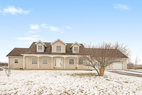 Photo of 595 E 900 N, Huntington, IN 46750
