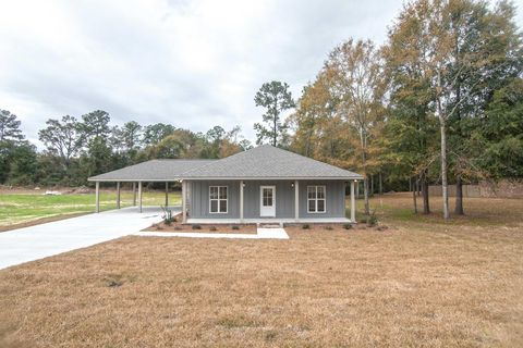 Photo of 27 Ralston Rd, Hattiesburg, MS 39401